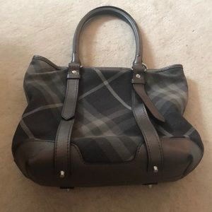 Burberry Bags - Beautiful Burberry barely used tote